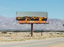 gambar sewa billboard surabaya