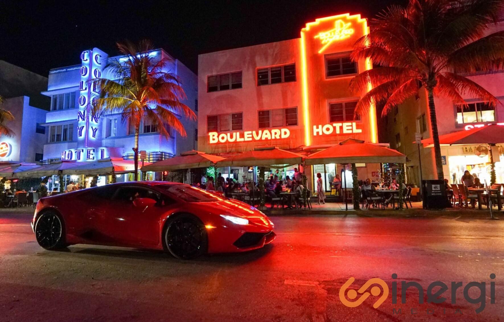 Plang Nama Hotel