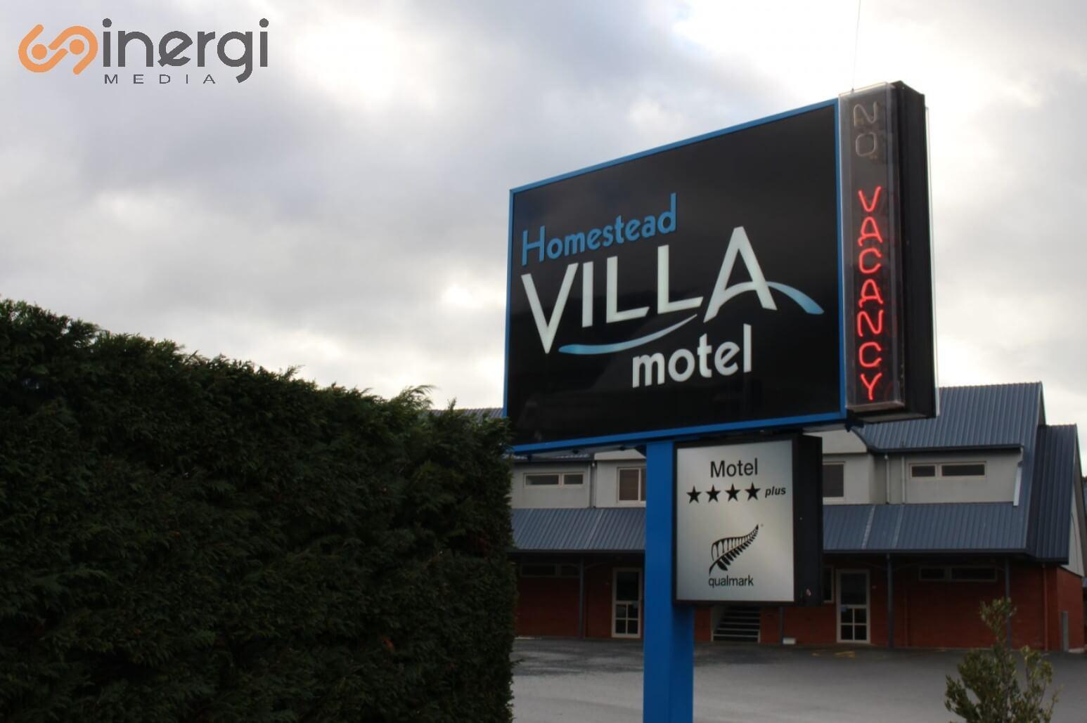 Plang Nama Villa