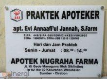 Plang Nama Apoteker